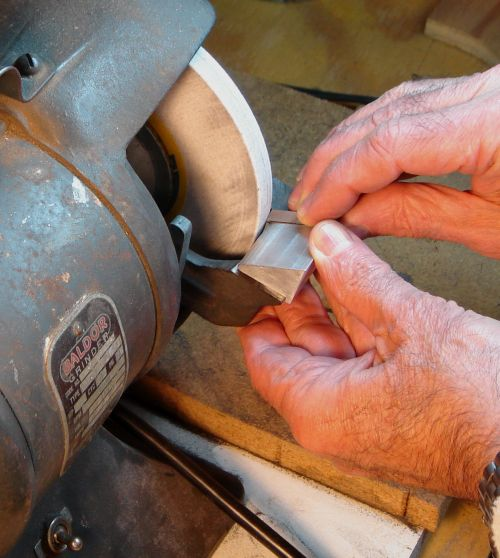 Tangential Sharpener in Use